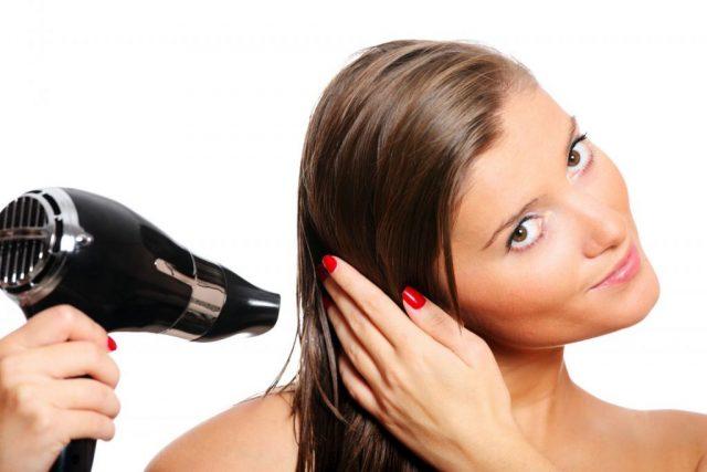 Убираем лизун с волос с помощью фена